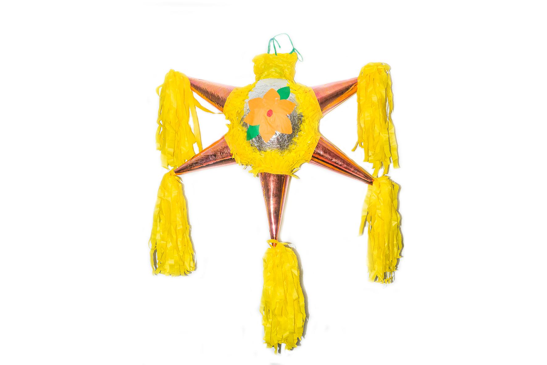 Piñatas Estrella (varios colores) 93x32x78